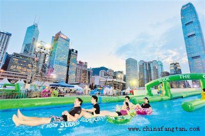 中访在线:香港的三个比喻